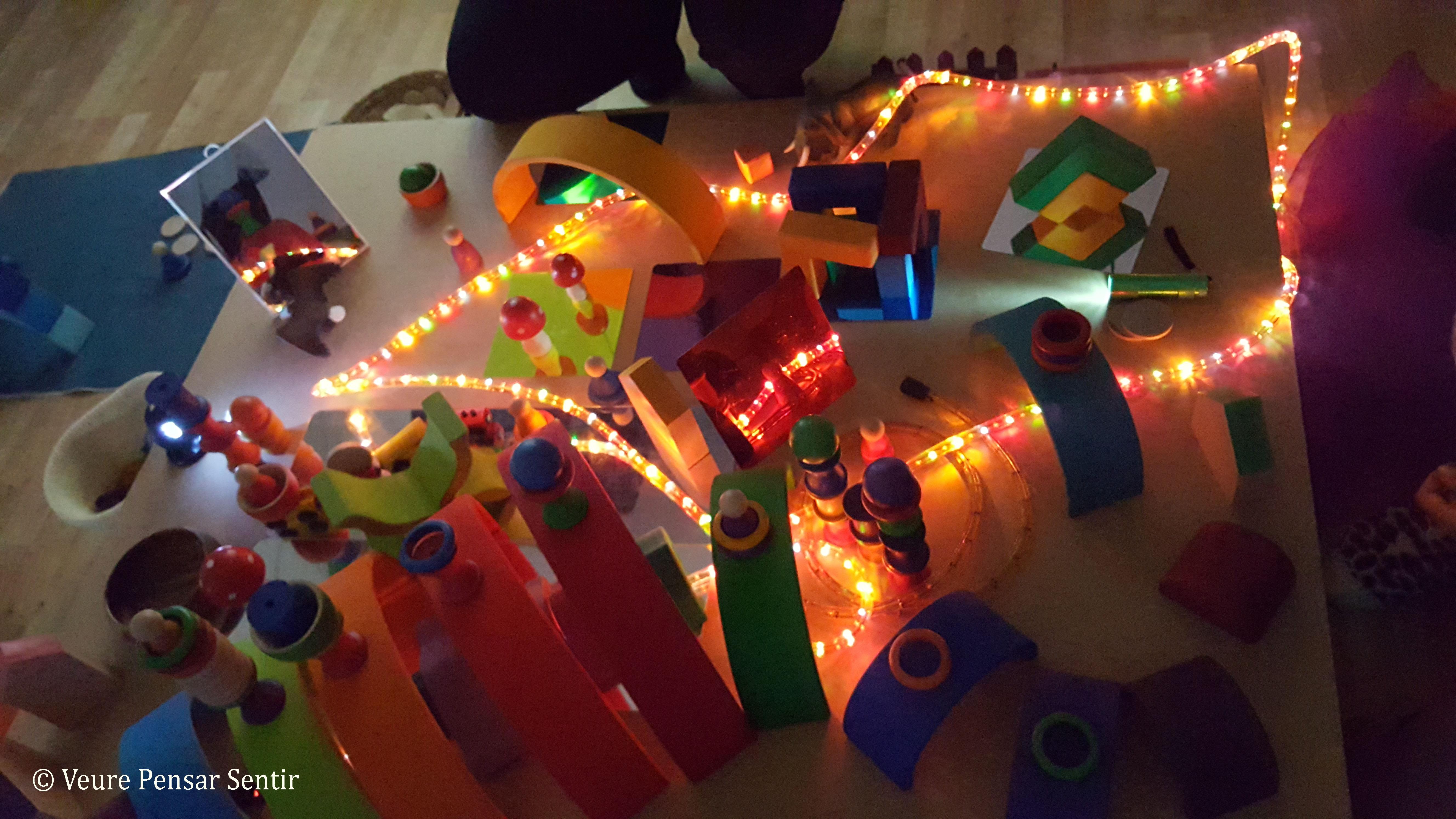 Cicle mini mons i pedagogia de la llum